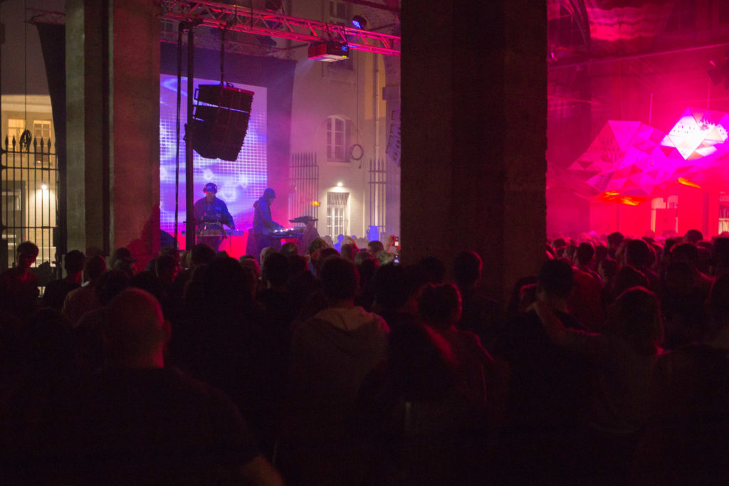 underground resistance eav5 - festival creations originales preformance av masterclass video-mapping bordeaux (2)